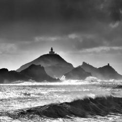 Coup de vent méditerranéen ,les iles sanguinaires en noir et blanc,photographe de paysages,thierryraynaud