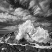 Explosion sur rochers @Thierry Raynaud